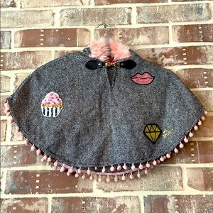 💋 Betsey Johnson Child's Poncho with Hood
